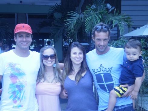 Lou, eu, Carol Zanon, Dédi e Matias no balada mix